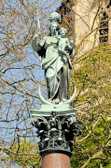 Sichelmadonna - Jungfrau Maria mit Jesus auf dem Arm - Säule in Münster.