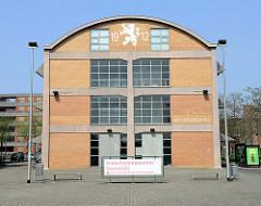 Ehemalige Fabrikhalle an der Avenue Céramique in Maastricht - so genannte Wiebengahal, benannt nach dem Architekten  Jan Wiebenga, der das Gebäude 1912 für die Keramikfabrik  Société Céramique  entworfen hat. Jetzt Nutzung durch Ateliers und Büros.