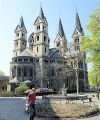 Ehemalige Zisterzienser-Klosterkirche Onze-Lieve-Vrouwe-Munsterkerk / Münsterkirche in Roermond.