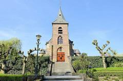 Katholische Kirche in Asselt - auf dem Weg nach Roermond.