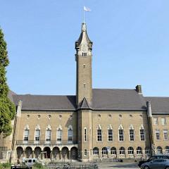 Ehemaliges Gouvernement / Rathaus von Maastricht - jetzt Sitz der Universität, Fakultät der Rechtswissenschaften.
