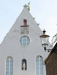 Kapelle am Capucijnengang in Maastricht, erbaut   um 1880 Teil des Kapuziner-Klosters  - Nutzung bis 1968, Umutzung als Wohnraum.