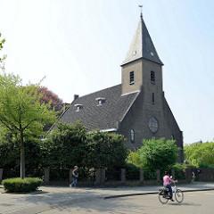 Backsteinkirche am Sterreplein in Maastricht , erbaut um 1924