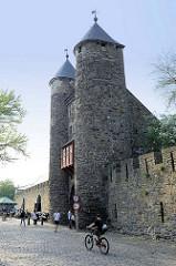 Alte Stadtbefestigung in Maastricht - Helpoort / Höllentor von 1229; später Nutzung als Waffenkammer, Pulverturm und Galerie - jetzt Museum.