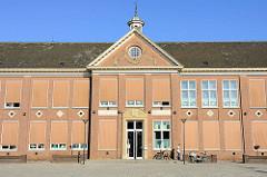 Gebäude der Grundschule St. Josef in der Grotestraat von Venlo.