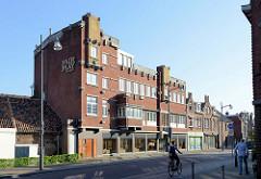 Expressionistische Backsteinarchitektur in Venlo, Ortsteil Tegelen; Wohn- und Geschäftshaus - Spielcasino / Casino Fair Play.