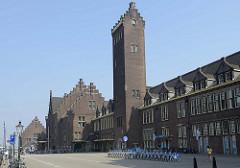 Backsteinarchitektur vom Hauptbahnhof in Maastricht.