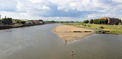 Lauf der Oder bei Frankfurt und Słubice; Grenzfluss zwischen Deutschand und Polen.