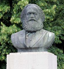 Karl Marx Büste beim Karl Marx Denkmal in Frankfurt/Oder, Künstler Fritz Cremers; Einweihung 1968.