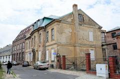 Historische Finkenstein Villa  in der Fischerstraße von Frankfurt/Oder, das Gebäude steht leer, der Putz bröckelt ab und die unteren Fenster sind zugemauert. Barockes Landhaus, errichtet 1780 - Architekt  Martin Friedrich Knoblauch. Später als V