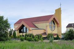 Katholische Kirche des Heiligen Geistes / Parafia PW. in Słubice; errichtet 1995.