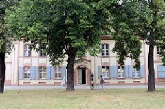 Häuser des ehemaligen Heiligen Geisthospitals, heute Haus der Künste in der Lindenstraße von Frankfurt/Oder; das Hospital wurde 1785–1787 nach Plänen von Martin Friedrich Knoblauch erbaut und 1988 zum Haus der Künste umgebaut. Die historische Hä