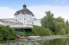 Historische Architektur der ehem. Palminwerke am Jaffe David Kanal in Hamburg Wilhelmsburg; erbaut 1910 - Architekt Weis.