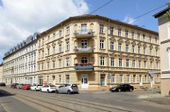 Mehrstöckiges Mietswohnhaus in der Herbert-Jensch-Straße von Frankfurt / Oder; das Wohngebäude steht unter Denkmalschutz.