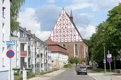 Ehem. Fanziskaner Klosterkirche in der Collegienstraße von Frankfurt (Oder); gotischer Backsteinbau - jetzt Nutzung als Konzerthalle.