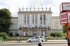 Gebäude vom Lichtspiel Theater der Jugend in der Heilbronner Straße in Frankfurt/Oder; erbaut 1919 als UFA Filmtheater - 1955 Umbau zum Lichtspieltheater nach Entwurf von Wilhelm Flemming, Karl Irmler und Gerhard Oßwald. Das Kino wurde 1998 geschlo