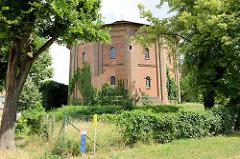 Historische Industriearchitektur, Gasometer - erbaut um 1855; Kulturdenkmal in Frankfurt / Oder.