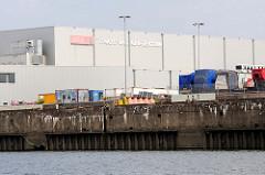 Lagerhalle vom Frucht- und Kühlzentrum am Terminal vom Hansahafen / O'Swaldkai im Hamburger Hafenstadtteil Kleiner Grasbrook.