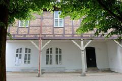 Historische Fachwerkarchitektur an der Oderpromenade in Frankfurt/Oder; ehemaliger Packhof.