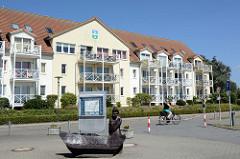 Gebäude mit Ferienwohnungen am Hafen von Kirchdorf auf der  Insel Poel - Mecklenburg Vorpommern.