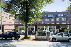 Ladenzeile der Siedlung Alsterdorfer Straße / Bodelschwinghstraße in Hamburg Alsterdorf; errichtet 1928 - Architekt Richard Wagner. Die Wohnhäuser stehen unter Denkmalschutz.