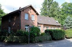Altes Schuldgebäude am Kupferredder im Hamburger Stadtteil Wohldorf-Ohlstedt, erbaut 1855.