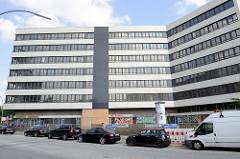 Leerstehendes Bürohochhaus, Verwaltungsgebäude am Billhorner Deich / Ausschläger Billdeich in Hamburg Rothenburgsort.
