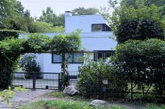 Denkmalgeschütztes Wohnhaus  - Landhaus / Haus Bauer; moderne Architektur im Duvenstedter Triftweg, erbaut 1928 - Architekt Karl Schneider.