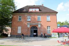 Bahnhofsgebäude, Haltestelle Hamburg Ohlstedt - errichtet 1925, Architekt  Eugen Göbel.