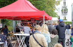 Wochenmarkt im Hamburger Stadtteil Eimsbüttel, Grundstraße.