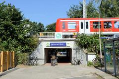 S-Bahn Haltestelle Hoheneichen in Hamburg Wellingsbüttel.