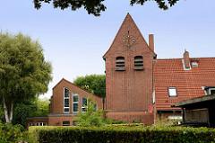Kirche der römisch-kath. Kirchengemeinde Heilige Familie in Hamburg Langenhorn - erbaut nach 1950.