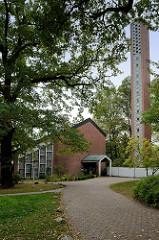 Kirche Sankt Peter in Hamburg Groß Borstel, geweiht 1959 - Architekten Otto Andersen, Walter  Bunsmann und Paul-Gerhard Scharf; das Gebäude steht unter Denkmalschutz.