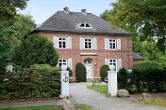 Villa in der Bebelallee von Hamburg Alsterdorf, errichtet 1922 - Architekt Erich Elingius. Das Wohnhaus steht unter Denkmalschutz.