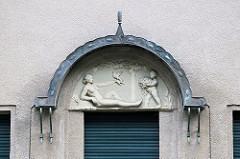 Denkmalgeschütztes Wohnhaus - Einfamilienhaus an der Diestelstraße im Hamburger Stadtteil Wohldorf-Ohlstedt; erbaut 1912, Architekten Alfred Jacob + Otto Ameis.