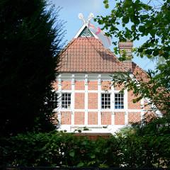 Einfamilienhaus - Baustil Heimatstil im Schleusenredder von Hamburg Wohldorf-Ohlstedt; erbaut 1907 - Architekt Otto Ameis.