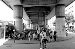 Pfeiler vom Bahnviadukt bei der S-Bahn Station Hamburg Hammerbrook / City Süd - errichtet 1983