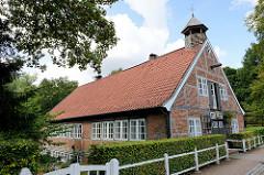 Ehem. Kupfermühle in Hamburg Wohldorf-Ohlstedt, jetzt private Nutzung. Das restaurierte Gebäude wurde 1827 errichtet.