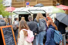 Veganes Sommerfest auf dem Spielbudenplatz von Hamburg St. Pauli.