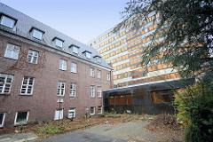 Kreishaus in der Moltkestraße in Pinneberg, errichtet 1932 - Umbau des bestehenden Krankenhauses; Arch. Klaus Groth - Verwaltungsgebäude (2014)