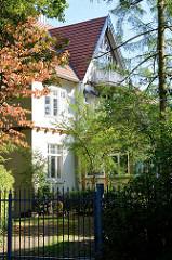 Denkmalgeschützte Villa in der Elbchaussee  von Hamburg Nienstedten, erbaut 1901 - Architekt Albert Winkler.