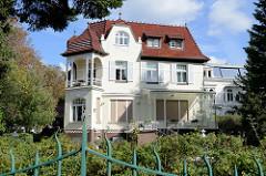 Jugendstilvilla im Hamburger Stadtteil Uhlenhorst, die denkmalgeschützte Villa wurde 1901 errichtet; Architekten Georg Thielen und Gustav Blohm.