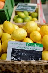 Zitronen aus kontrolliert biologischem Anbau - Bilder vom Wochenmarkt Vogelweide im Hamburger Stadtteil Barmbek Süd.