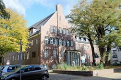 Kreishaus in der Moltkestraße in Pinneberg, errichtet 1932 - Umbau des bestehenden Krankenhauses; Arch. Klaus Groth.