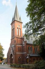 Bilder von Baudenkmälern in der Stadt Pinneberg; Christuskirche in der Bahnhofstraße, errichtet 1895 - Architekt: Hugo Groothoff.