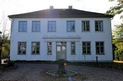 Baudenkmal in Pinneberg, denkmalgeschütztes Wohnhaus  im Rübekamp.