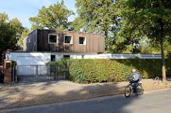 Denkmalgeschütztes Einfamilienhaus  in der Baron Vogt  Straße im Hamburger Stadtteil Groß Flottbek - erbaut 1966, Architekten Alfred Puls und Emil Richter.