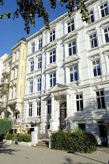 Gründerzeitliches Etagenhaus am Hallerplatz im Hamburger Stadtteil Rotherbaum.
