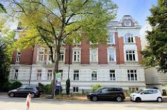 Kulturdenkmäler der Hansestadt Hamburg, denkmalgeschütztes Etagenhaus im Stadtteil Uhlenhorst, Lerchenfeld. Das Gebäude wurde 1890 errichtet, Architekten Peter Jürgensen und Erwin von Melle.