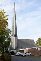 Dietrich-Bonhoeffer-Kirche in Hamburg Rahlstedt / Greifenberger Straße, Weihe 1966 - Architekt  Otto Andersen.